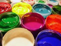 Разнообразие лаков и красок